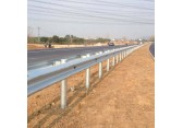 波?#20301;?#26639;板 高速公路护栏板 喷塑护栏板 热镀锌护栏板